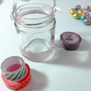 Decorate your jar with your Washi tapes.